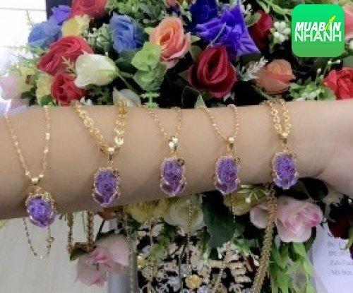 Kinh nghiệm chọn mua dây chuyền vàng sang trọng cho phụ nữ trung niên